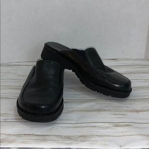 Size 9 BareTraps Black Vision Leather Mule-Loafers